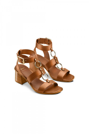 BATA SANDALS WITH METAL RING DETAILS ON THE UPPER. REAL LEATHER MATERIAL. TAN