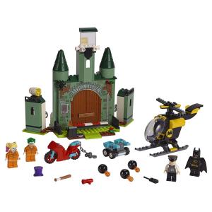 Конструктор LEGO DC Super Heroes Бэтмен и побег Джокера 76138