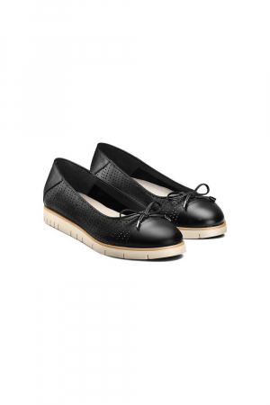 SHOE            CALF LEATHER     SYNTHETIC RU SYNTHET