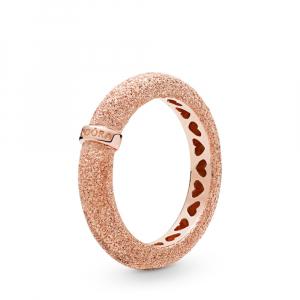 Ring in diamond-pointed Pandora Rose