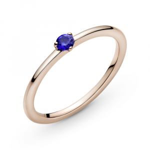 Pandora Rose ring with stellar blue crystal