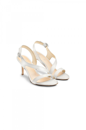 BATA SANDAS WITH CROSS STRAP ON THE UPPER IN REAL LEATHER MATERIAL. WHITE