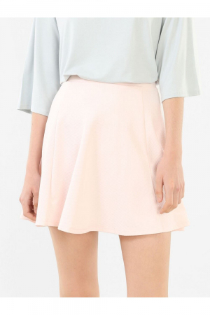 Short skirt (>35cm)-Wide-Mounted belt / high cuts-