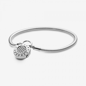 Snake chain silver bracelet and PANDORA logo padlock clasp with clear cubic zirconia