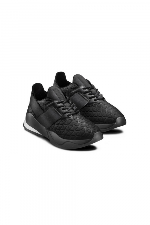 BATA SNEAKER WITH EMBOSSED LYCRA MATERIAL AND ELASTIC DETAILS ON THE UPPER. BLAC