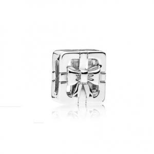 PANDORA Reflexions gift silver clip charm